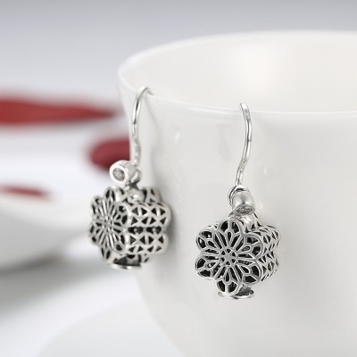 Round Cut White Sapphire S925 Silver Snow Earrings