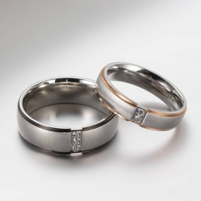 Round Cut White Sapphire Titanium Couple Rings